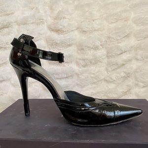 Rock & Republic patent leather black Pumps.